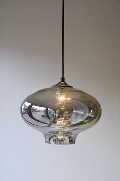 Glazen lampen bulblight | DG Webshop | In Huis bij Franka Pendant Lighting, Lightning, Bulb, Ceiling Lights, Nescafe, Home Decor, Flower, Life, Glass