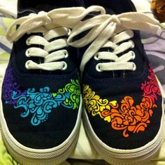 painted canvas shoes <3