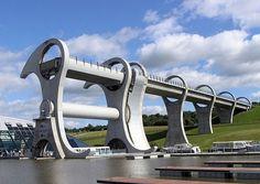 A incrível Roda de Falkirk - Um surpeendente elevador de barcos que liga os canais Forth and Clyde Canal com o Union Canal, na Escócia