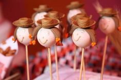 Que tal cakepops de menina caipira? foto reprodução: Lis Fonseca