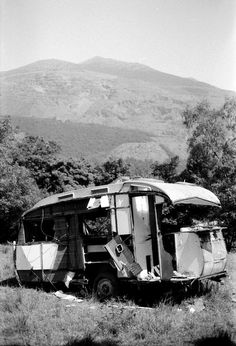 The sad remains of a Carlight once the most expensive caravans in Britain. This one is near Llanberis, Wales Vintage Caravan Interiors, Vintage Caravans, Camper Trailers, Camper Van, Travel Trailers, Camper Trailer Australia, Abandoned Cars, Abandoned Vehicles, Australian Vintage