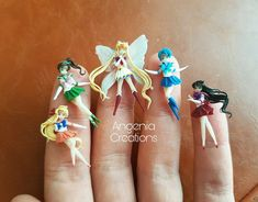 Sailor moon tiny series - Polymer clay - doll - figurine You are welcome to Mini World. Here we understand your passion for all things miniature! Enjoy the polymer clay miniature dolls selection. Polymer Clay People, Polymer Clay Fairy, Cute Polymer Clay, Cute Clay, Polymer Clay Dolls, Polymer Clay Miniatures, Polymer Clay Charms, Polymer Clay Jewelry, Crea Fimo