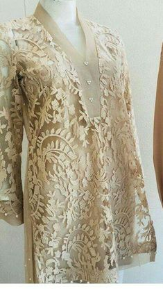 Trendy Dress Brokat Panjang Source by brokat Kebaya Lace, Kebaya Dress, Batik Fashion, Hijab Fashion, Fashion Dresses, Pakistani Dress Design, Pakistani Dresses, Kurta Designs, Blouse Designs