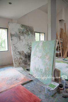 The inspiring and beautiful home and studio in France of French artist Laurence Amelie. More up on the blog at Shabbyfufu