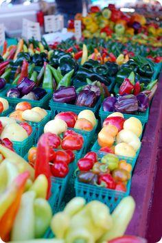 Love this farmers' market shot!