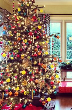 photo credit jean regacho frontgate holiday decor challenge 2014 - Frontgate Christmas Trees