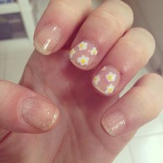 Spring time mani. White flowers