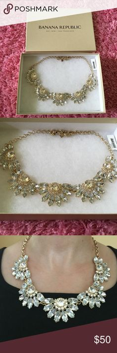 Banana Republic Gold Faux Diamond Necklace Very elegant. Brand new without tags. No trades, price is firm. Banana Republic Jewelry Necklaces