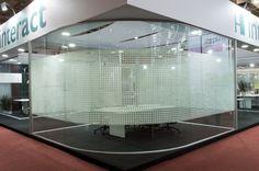 #Divisória - Painel vidro único sistema junta seca. Vidro curvo