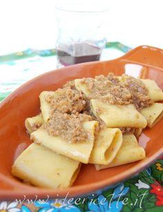Pasta con sugo alla genovese (di cipolle)