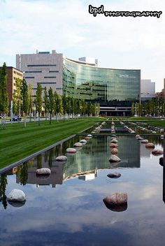 Sydell and Arnold Miller Pavilion, Cleveland Clinic, 9500 Euclid Cleveland Skyline, Cleveland Rocks, Cleveland Clinic, Cleveland Ohio, Robert Mercer, Places Around The World, Around The Worlds, Top Hospitals, The Buckeye State