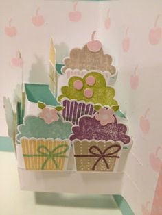 My Cards and Crafts: Pop Up Cupcakes