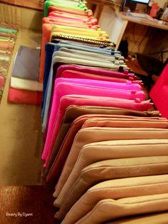 Les pochettes 1951 Maison Française | Beauty By Cyann Pantone, Backpacks, Blog, Fashion, French Houses, Clutch Bags, Fashion Styles, Moda, Backpack