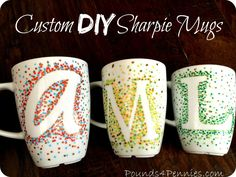How to Make Custom Sharpie Mugs Using a Simple Design The easiest design to make Sharpie mugs with little to no artistic skill. This is the easiest way to create custom mugs using Sharpie oil based markers. Sharpie Crafts, Diy Sharpie Mug, Sharpie Mug Designs, Diy Mug Designs, Homemade Christmas Gifts, Christmas Diy, Christmas Presents, Homemade Gifts For Friends, Easy Homemade Gifts