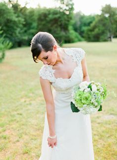 love the dress, setting and flowers
