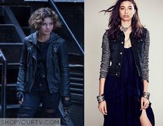 Selina Kyle (Camren Bicondova) wears this black denim jacket with grey hood in this week's episode of Gotham. It is the Free People Knit Hooded Denim Jacket. BUy it HERE for $148