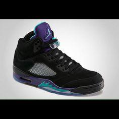 pretty nice 2a003 0c21f Jordan Shoes   Jordan Retro 5 (Black Grapes)   Color  Black   Size  6