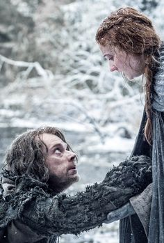Alfie Allen as Theon Greyjoy and Sophie Turner as Sansa Stark – photo Helen Sloan/HBO Game of Thrones