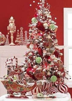 Candy Christmas Tree Themes This I like, it's just too busy Beautiful Christmas Trees, Christmas Tree Themes, Noel Christmas, Christmas Candy, Winter Christmas, Christmas Crafts, Whimsical Christmas, Xmas Trees, Magical Christmas