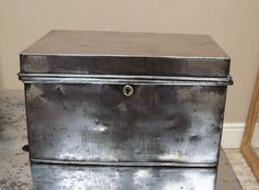small metal safe boxes | A2376 polished old metal safe box