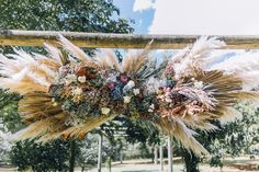 Wedding arch deliciousness Christmas Wreaths, Arch, Holiday Decor, Wedding, Home Decor, Valentines Day Weddings, Holiday Burlap Wreath, Mariage, Weddings
