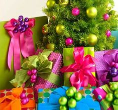 The 50 Most Gorgeous Christmas Gift Wrapping Ideas Ever Family Holiday Noel Christmas, Christmas Colors, All Things Christmas, Winter Christmas, Christmas Crafts, Christmas Decorations, Whimsical Christmas, Christmas Paper, Beautiful Christmas