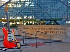 Rock and Roll Hall of Fame (Arredores),, http://wwwblogtche-auri.blogspot.com.br/2012/07/hall-of-fame-e-museu-do-rock-and-roll.html