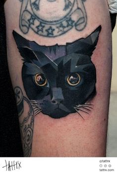 Everybody loves cats and tattoos, so why not combine your love and get a cat tattoo? Here are some of our favourite cat tattoos. Trendy Tattoos, Sexy Tattoos, Body Art Tattoos, Tatoos, Tatuajes Tattoos, Heart Tattoos, Piercings, Piercing Tattoo, Black Cat Tattoos