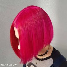 Gorgeous vivid pink bob by Hot Pink Hair, Pink Hair Dye, Dyed Hair, Pink Acrylic Nails, Long Hair Styles, Hair Colors, Don't Care, Beauty, Beautiful