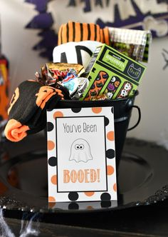 Diy Halloween Gifts, Halloween Gift Baskets, Halloween Bingo, Halloween Games For Kids, Cheap Halloween, Halloween Goodies, Halloween 2020, Halloween Stuff, Halloween Treats