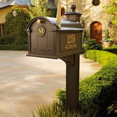 Balmoral Deluxe Post - Frontgate - traditional - mailboxes - - by FRONTGATE Indoor Outdoor, Outdoor Living, Outdoor Decor, Outdoor Furniture, Outdoor Ideas, Backyard Ideas, Outdoor Spaces, Outdoor Projects, Garden Ideas