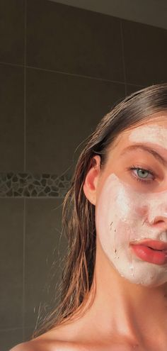 CHEYNE BRUNTON, INSTA Model trying out the trial size Mario Badescu Healing & Soothing Mask from the March 2019 Play!Model trying out the trial size Mario Badescu Healing & Soothing Mask from the March 2019 Play! Skin Mask, Face Skin, Face Face, Girl Face, Beauty Skin, Hair Beauty, Face Photography, Photography Ideas, People Photography