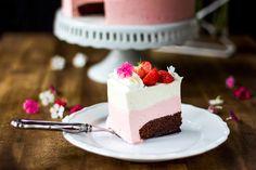 Pullahiiren leivontanurkka: Ihanan hempeä ja makean mansikkainen Pople-kakku /... Cake Recipes, Cheesecake, Sweets, Baking, Desserts, Food, Tailgate Desserts, Deserts, Easy Cake Recipes