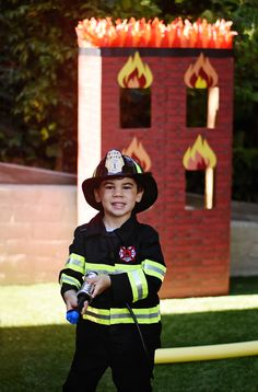 Project Nursery - Kids will love a firefighter obstacle training challenge course! Firefighter Games, Firefighter Training, Firefighter Birthday, Fireman Party, Fireman Sam, Kids Obstacle Course, Backyard Birthday, My Son Birthday, Classic Theme
