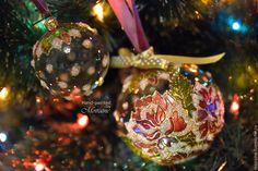 """Купить Подвес из трех стеклянных елочных шаров """"Заснеженные розы"""" - стеклянный шар, елочный шар"""