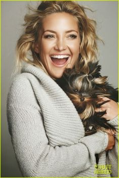 Kate Hudson. I want a cozy sweater like this!