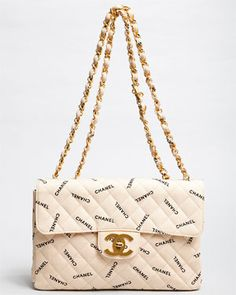 In case you don't recognize that this is a true Chanel bag.... :-P