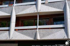 Paris 19ème - Immeuble rue Crimée  Architecte: Roger Anger, Mario Heymann  Mosaïques et décoration: Charles Gianferrari (L'Oeuf)  Constructi...