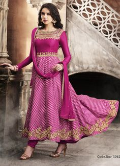 Anarkali Suits - Buy Indian Anarkali Suits with the latest designs and attractive offers online. Best collection of Partywear and festive wear Anarkali Dress for women. Indian Anarkali, Anarkali Dress, Anarkali Suits, Punjabi Suits, Pakistani Dresses, Ethnic Trends, Indian Ethnic Wear, India Fashion, Women's Fashion