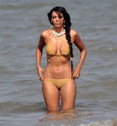 Judi Shekoni in bikini photos