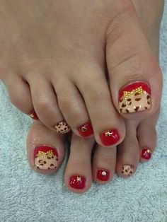 Red with animal print Paws and Claws! Pretty Pedicures, Pretty Toe Nails, Cute Toe Nails, Sexy Nails, Fancy Nail Art, Cute Nail Art, Fancy Nails, Pedicure Designs, Pedicure Nail Art