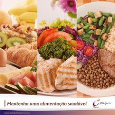 Para garantir a saúde, faça pelo menos três refeições por dia (café da manhã, almoço e jantar), intercaladas por pequenos lanches. ;)