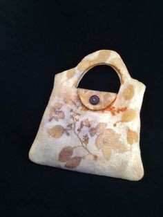 Eco-printed bag by Dawn Edwards, Felt So Right. http://www.feltsoright.com