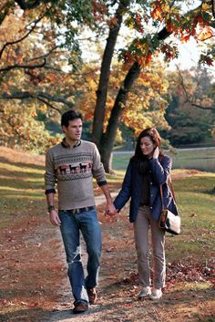 very few guys can rock that sweater without looking like a total nerd. KJP is one of them.