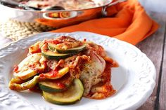Italian Zucchini Parmesan has all the flavors you love about pizza or lasagna but without all those annoying carbohydrates to weigh you down. Eggplant Chips, Baked Eggplant, Vegetable Chips, Vegetable Snacks, Parmesan Recipes, Zucchini Parmesan, Shell Pasta Salads, Kitchen Recipes, Cooking Recipes