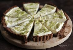 Tarta cu lapte condensat si lime Tart Recipes, Sweets Recipes, Cooking Recipes, Lime Cheesecake, Cheesecake Recipes, No Cook Desserts, Sweet Desserts, Mini Tart, Sweets Cake