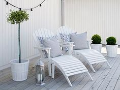 Perfect white steamer chairs, based on the classic Adirondack. Outdoor Rooms, Outdoor Gardens, Outdoor Living, Outdoor Decor, Garden Furniture, Outdoor Furniture Sets, Diy Pergola, Garden Inspiration, Garden Design