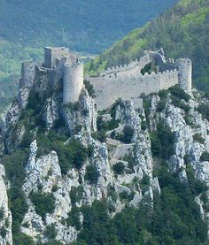 The Château de Puilaurens (Occitan: lo Castèl de Puèg-Laurenç) is one of the Cathar Castles of the Languedoc in what is now the South of France. It is located in the commune of Lapradelle-Puilaurens in the Aude département......      http://www.catharcountry.info