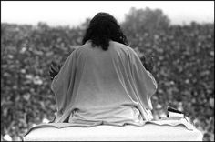 The opening of Woodstock. Here image of Swami Satchidananda (Indian religious teacher, spiritual master and yoga adep) giving the opening invocation for the festival, Woodstock Festival, 1969 Woodstock, Joe Cocker, Today Pictures, Magnum Photos, Rock And Roll, Spirituality, Yoga, History