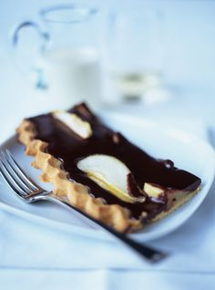 Jamie Oliver's Tasty Tuscan tart With really dark chocolate and pears Jamie Oliver, Chocolate Dishes, Chocolate Recipes, Chocolate Chocolate, Brownie Recipes, Cake Recipes, Dessert Recipes, Nigella, Biscuits